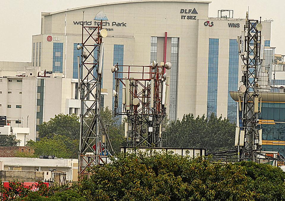 Towers on govt buildings in Gurugram to boost cell phone