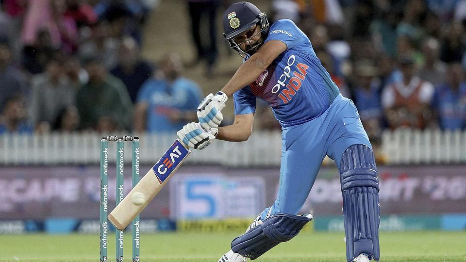 India vs Australia,Rohit Sharma,MS Dhoni