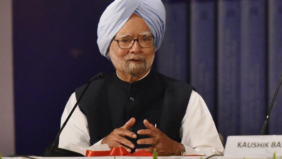 "Punjab chief minister Amarinder Singh said Tuesday that former prime minister Manmohan Singh was ""never in the reckoning"", rejecting reports that the Congress may field him from Amritsar in the Lok Sabha polls. (Photo by Vipin Kumar/ Hindustan Times)"