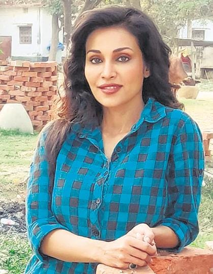 Flora Saini is doing back-to-back series and is currently shooting 'Red Land' in Varanasi.