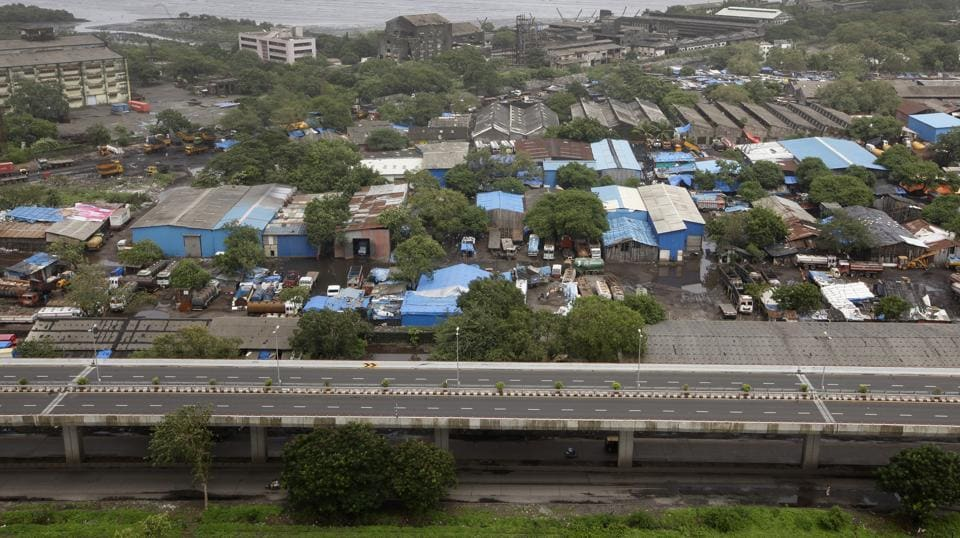 Many of the tenants, spread between Wadala and Colaba, are facing eviction notices from the Mumbai Port Trust on the pretext of their leases getting expired or owing to the alleged outstanding dues