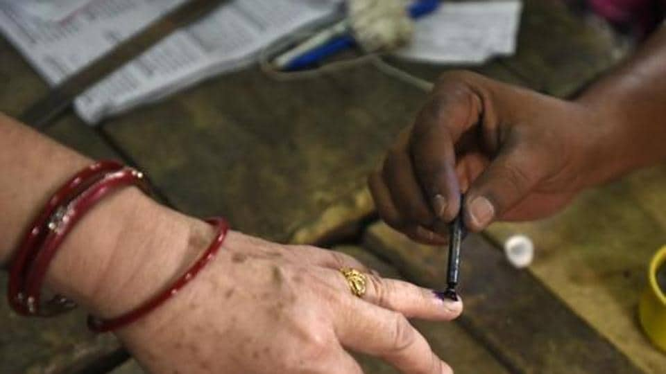 If federalism is the glue that has kept the world's largest democracy together, there are growing signs that this adhesive is becoming unstuck.