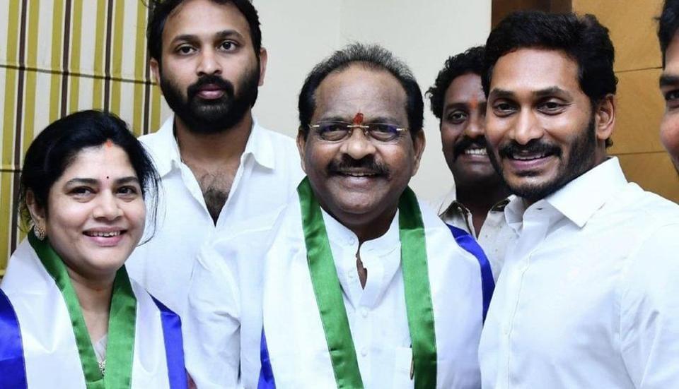 Thota Narasimham, a vocal Kapu leader from East Godavari district, on Wednesday quit Naidu's party and joined the Yuvajana Sramika Congress (YSRC).