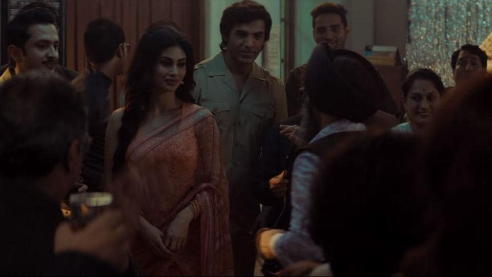 Mounri Roy and John Abraham in a still from the song Bulleya in Romeo Akbar Walter.
