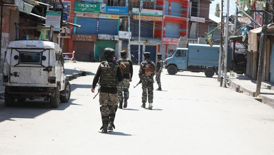 Paramilitary soldiers in Anantnag.