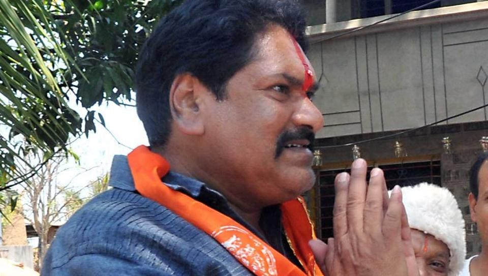 Sanjay Mandlik is S hiv Sena's candidate from the Kohlapur Lok Sabha constituency in Maharashtra for 2019 Lok Sabha Elections.