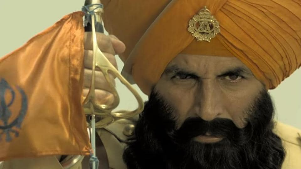 Akshay Kumar stars in the lead in Kesari. Check out the new video.