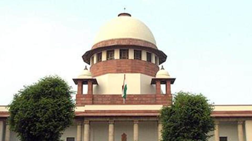 Supreme Court on Friday issued notice to the Election Commission on a petition seeking verification of votes by paper trail in the upcoming Lok Sabha election.  (Sunil Saxena/HT Photo)