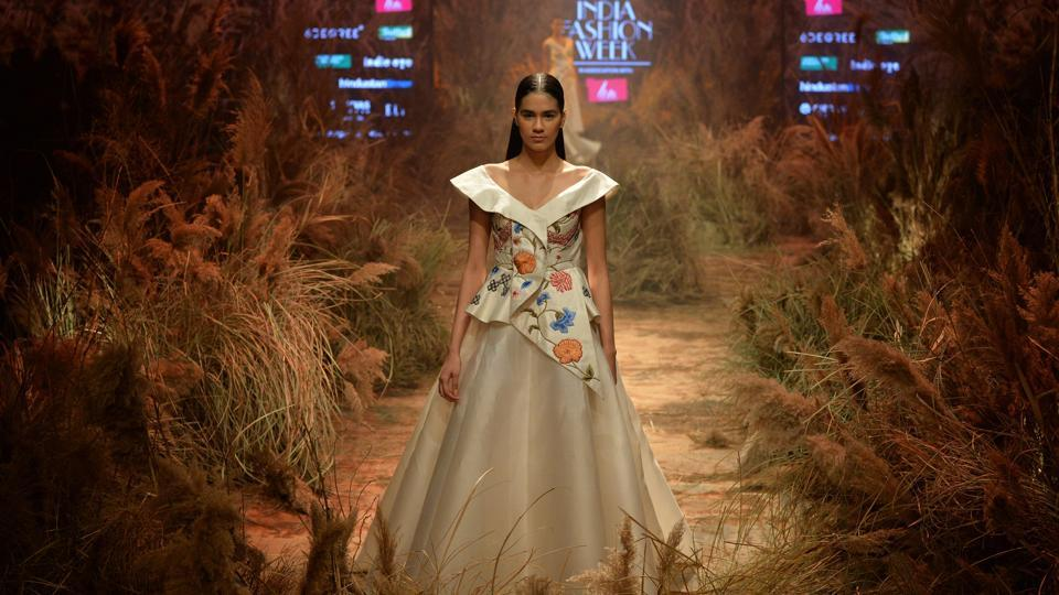 A model presents a creation of Indian designer Samant Chauhan during the Lotus Makeup India Fashion Week Autumn Winter 2019 in New Delhi. (Sajjad Hussain / AFP)