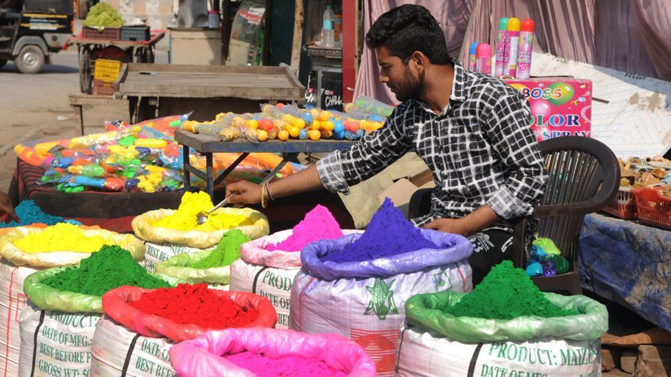 According to one of the manufacturers, it takes an investment of about ₹3-₹4 lakhs to make 110 sacks of colour and each sack is then sold to local shopkeepers at a price of ₹6000. (Parveen Kumar / HT Photo)