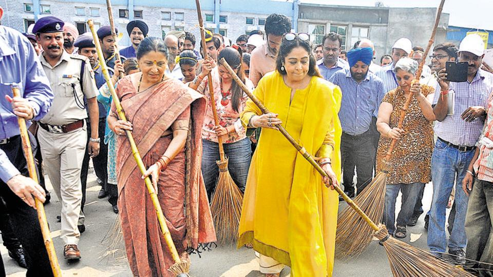 The Bharatiya Janata Party's Kirron Kher (in yellow) is the sitting MP from Chandigarh Lok Sabha seat.