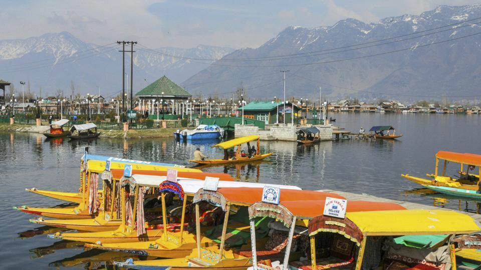 Even after amnesty, families stranded in Kashmir