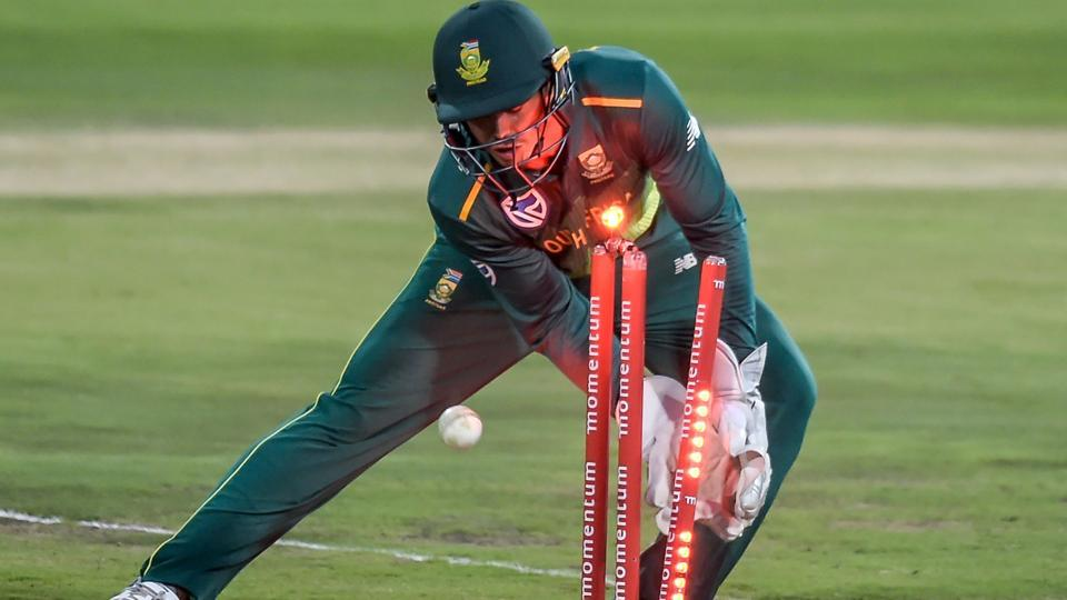 South Africa's wicketkeeper Quinton de Kock breaks the stumps to run out Sri Lanka's Kusal Mendis.