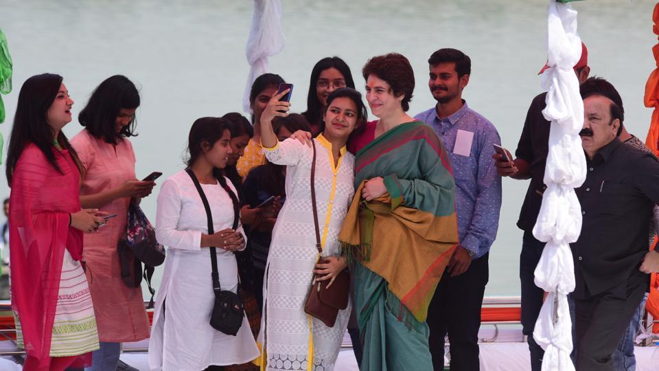Congress national general secretary and in-charge of east Uttar Pradesh Priyanka Gandhi began her party's campaign for the Lok Sabha election 2019 with a 'Ganga Abhishek' and prayers at a temple in Allahabad in the morning. As part of her 'Ganga Yatra', she will make stopovers at villages located near the river's banks. She will meet people in these villages to better understand their hardships, aspirations and expectations. (Sheeraz Rizvi / HT Photo)