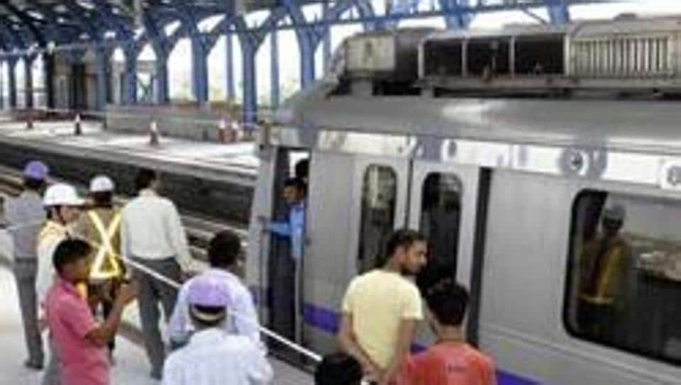 Delhi Metro commuters will be able to participate in an online survey conducted by a global transport body. (Pankaj Savita/HT File Photo)