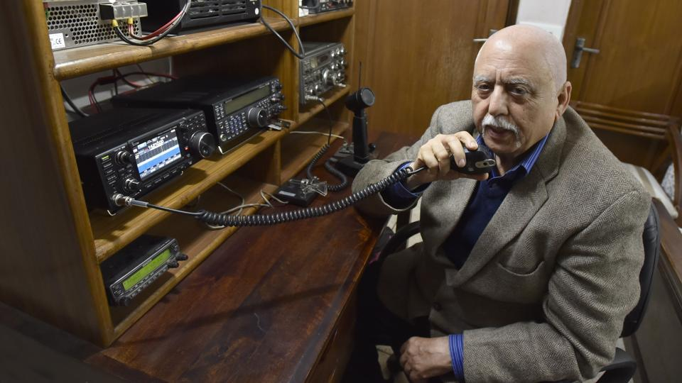 Rahul Kapoor speaks to a fellow 'ham' at his residence at Surya Niketan in New Delhi. Kapoor, 69, is part of Delhi's small community of amateur radio buffs or hams, thriving even in this age of the internet. While Bangalore is known as India's capital of ham radio — hailed as the first true social networking — Delhi too has hams, who have set up amateur radio stations or 'shacks' at their homes. (Sanjeev Verma / HT Photo)