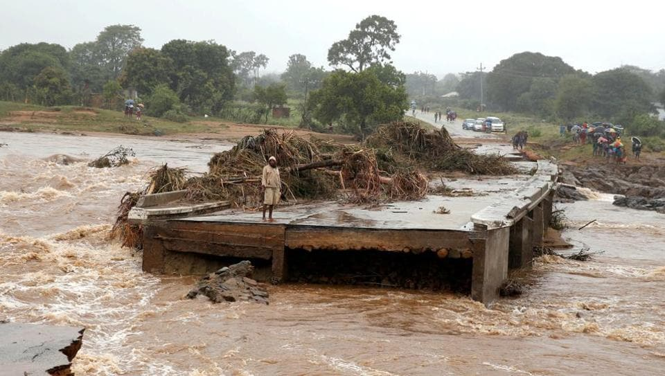 Hurricane kills 166 in southern Africa as heavy rains persist