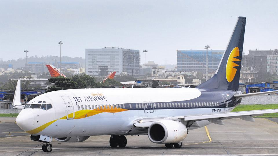 Civil aviation minister Suresh Prabhu calls emergency meeting on Jet Airways crisis