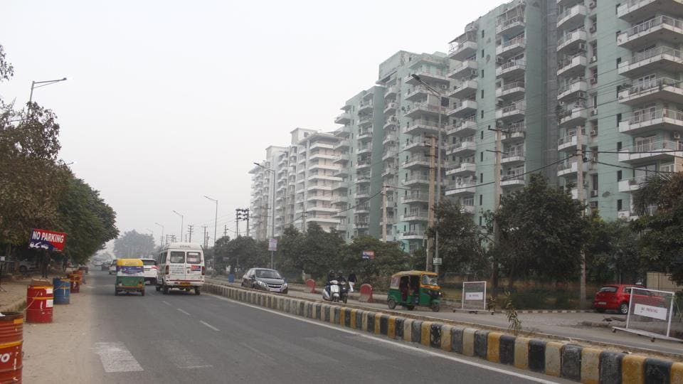 """Last week, it was reported in media that the Municipal Corporation of Gurugram (MCG) has started the work on converting two busy city roads into """"model"""" roads.  (Photo by Yogendra Kumar / Hindustan Times)"""