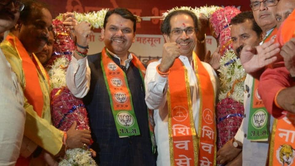 Lok Sabha elections 2019: Maharashtra CM Devendra Fadnavis, Uddhav Thackeray to sound poll bugle today in Kolhapur