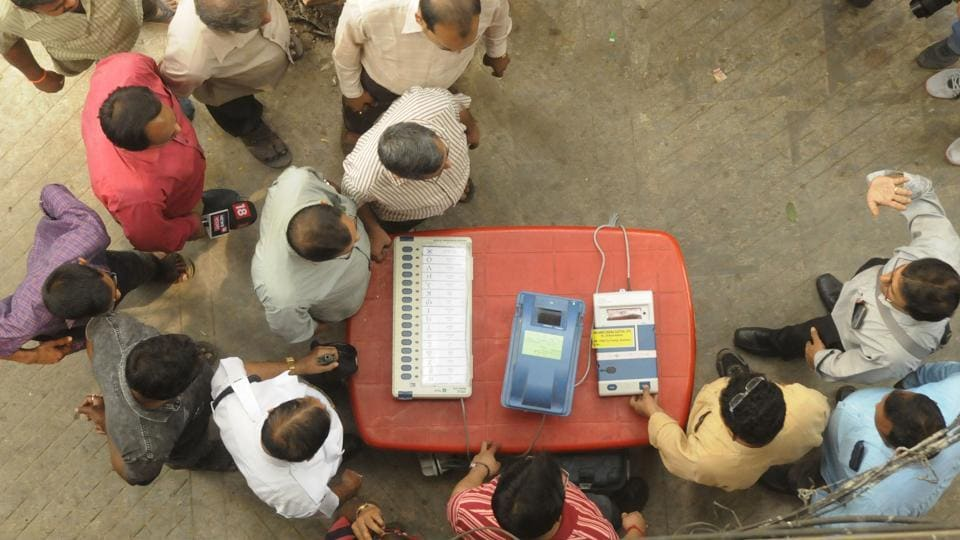 The Supreme Court on Monday told the Election Commission to file an affidavit listing its stand on increasing the proportion of EVM votes to be verified with paper trail. But the judges also indicated that they felt the Election Commission should increase the percentage of votes randomly verified against the Voter Verifiable Paper Audit Trail (VVPAT). (Samir Jana / HT File)