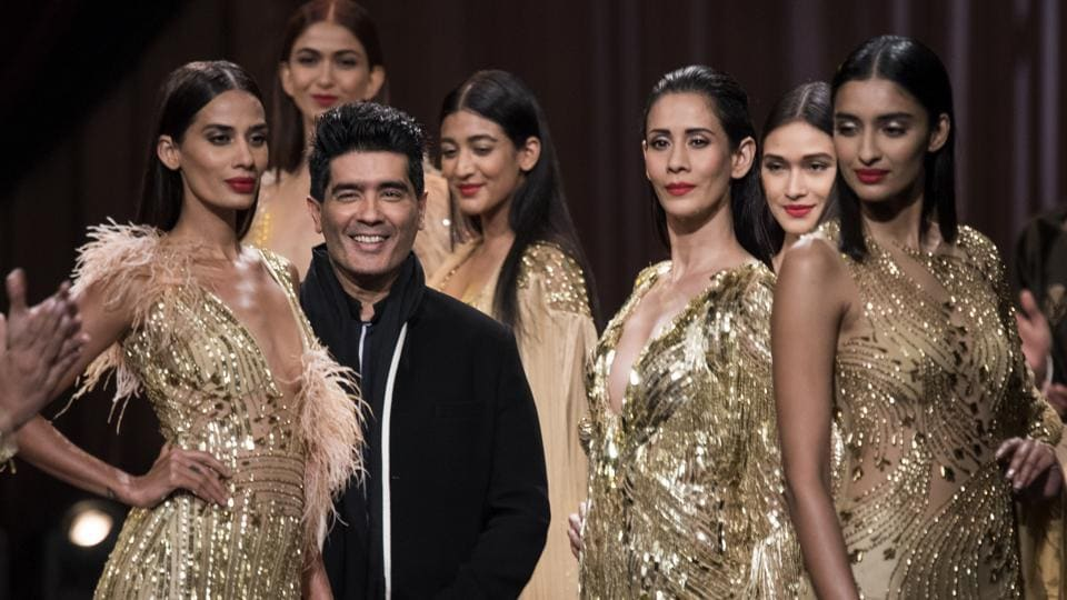 Designer Manish Malhotra and his models during HT India's Most Stylish Awards 2018. (Satish Bate/HT Photo)