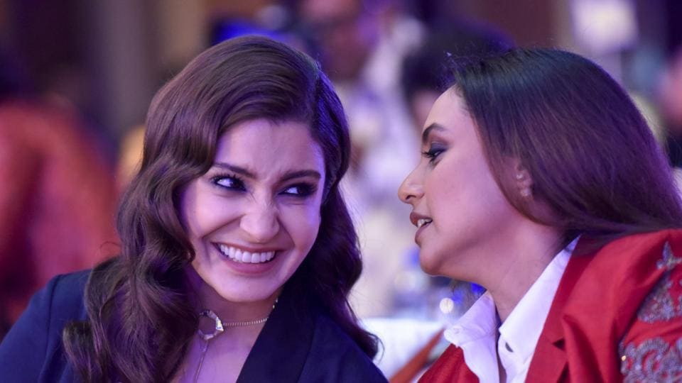 Actors Anushka Sharma and Rani Mukerji were seen bonding over candid conversations. (Kunal Patil/HT Photo)