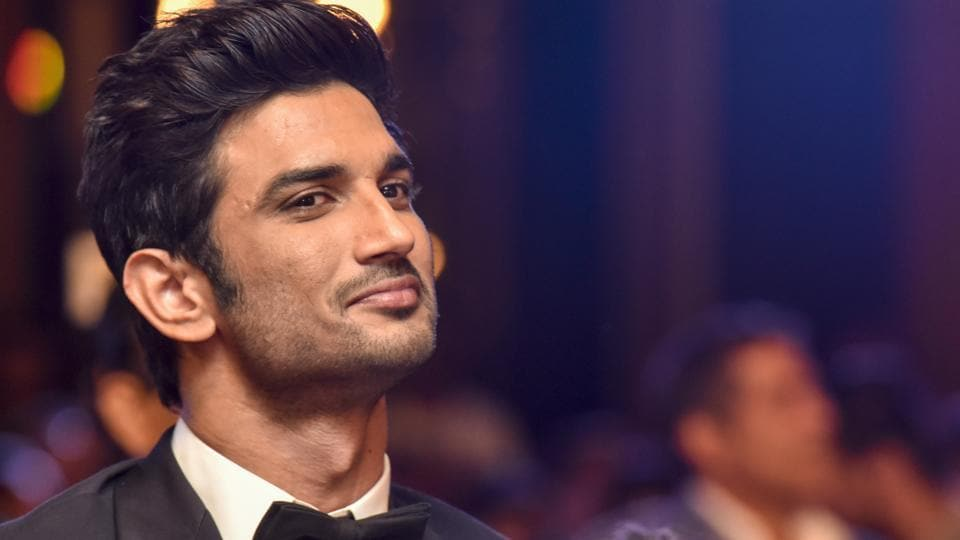 The dark horse of Bollywood! Sushant Singh Rajput acknowledging a guest.  (Kunal Patil/HT Photo)