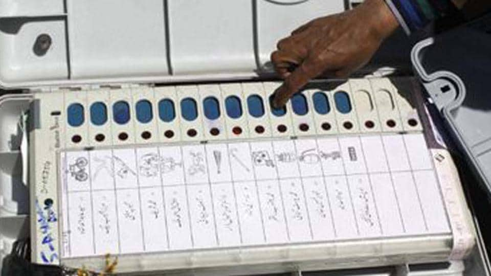A day after completing the scrutiny of papers, the Tamil Nadu Chief Electoral Officer on Thursday said that about 932 valid nominations have been accepted for the Lok Sabha polls