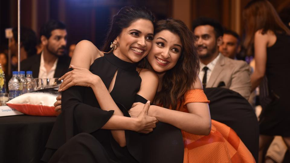 Deepika Padukone and Parineeti Chopra at the HT Most Stylish Awards, held in Mumbai on Friday.  (Anshuman Poyrekar/HT Photo)