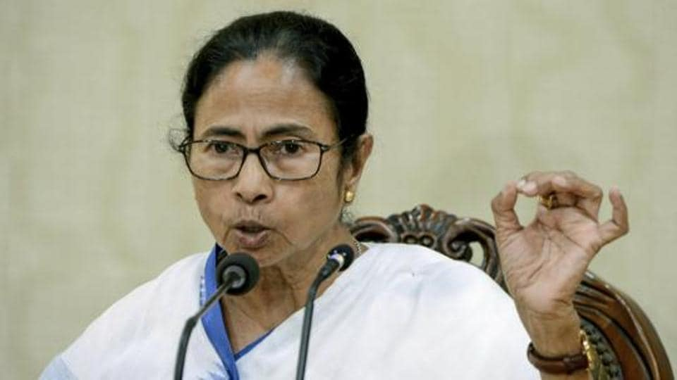 A day after getting assurance from West Bengal Chief Minister Mamata Banerjee, around 200 aspiring school teachers Thursday withdrew their 29-day long relay hunger strike.
