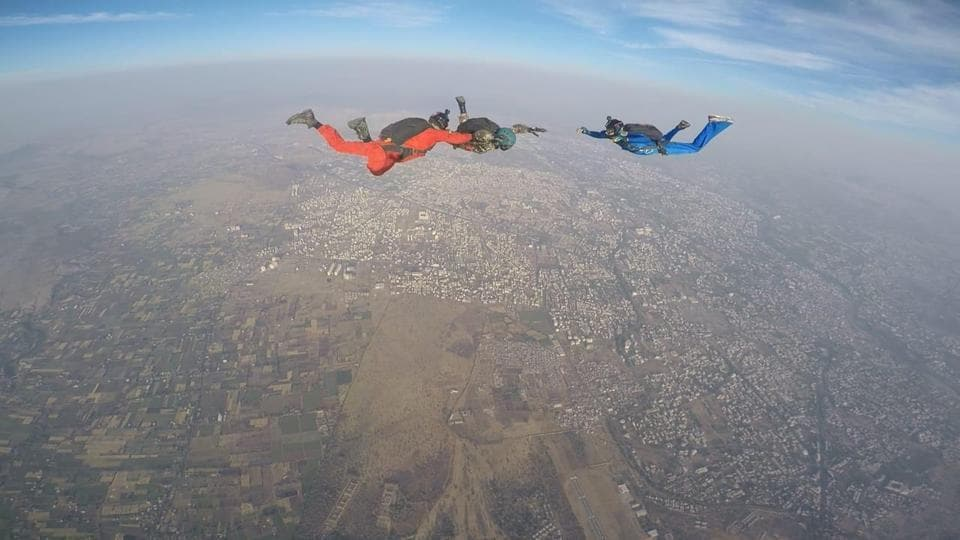 "Major DP Singh, a Kargil War veteran widely known as 'Indian Blade Runner' performed a first ever successful Skydive in Nasik endorsing the 'Spirit of Adventure' for all disabled soldiers who suffered physical/war injuries in peace and war time in Nasik on Thursday. Gen Bipin Rawat, approved the activity for the officer to commemorate ""Year of Disabled in the Line of Duty"". (ANI)"
