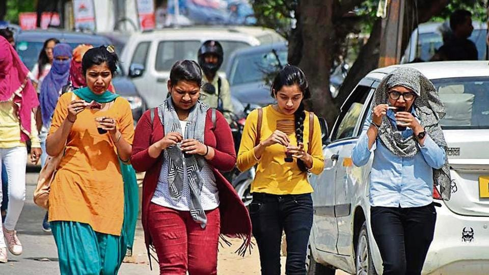 The maximum temperature on Thursday was recorded at 34.8 degrees Celsius — a rise of more than four degrees Celsius from Wednesday's maximum temperature.