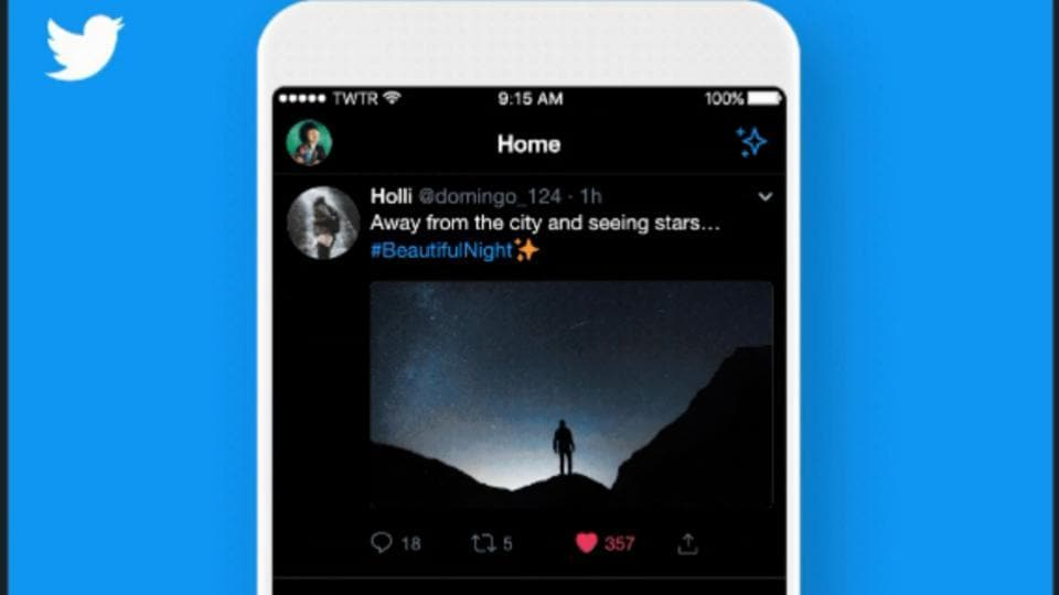 Twitter's new dark mode on iOS.