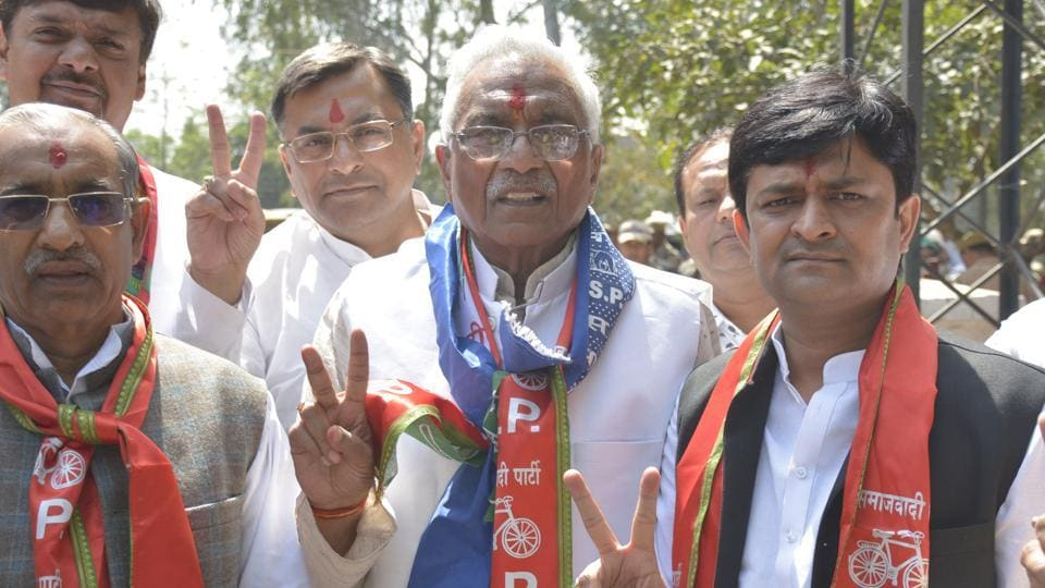 Former BSP MLA Suresh Bansal with others arrive to file nomination papers, at district election office, in Ghaziabad, India, on Monday, March 25, 2019. (Photo by Sakib Ali / Hindustan Times)