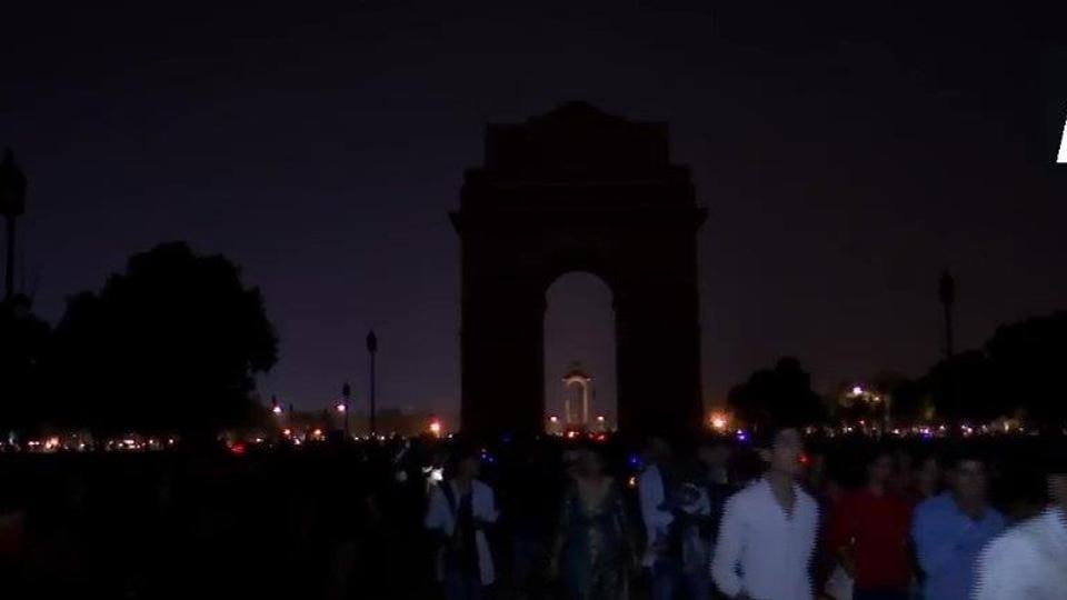 Lights at India Gate in New Delhi turned off to observe Earth Hour