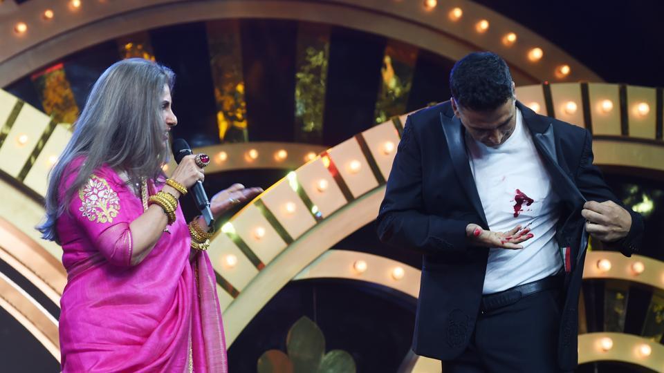 Dimple Kapadia was shocked to see blood on Akshay Kumar's shirt.