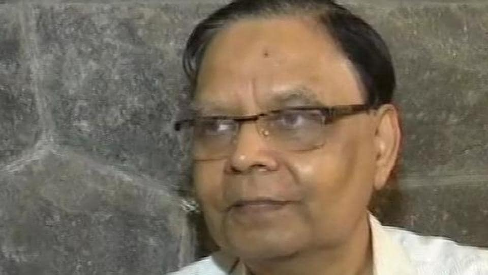 Former NITI Aayog vice-chairman Arvind Panagariya has said that the Congress's poll promise to implement minimum income guarantee scheme is almost impossible to roll out.