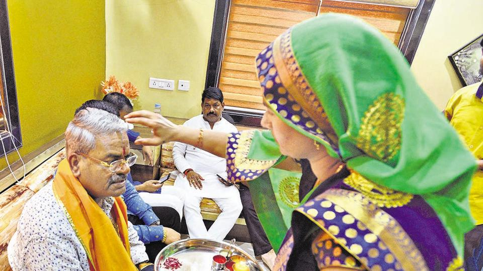 Residents of Charholi village welcome Shivajirao Adhalrao Patil during his campaigning in Shirur on March 29.