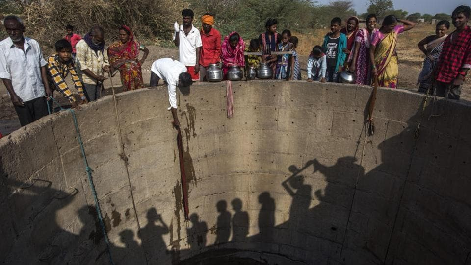 While the Maharashtra government started declaring drought in November 2018, almost five months later, villagers said relief measures are yet to reach them. Drought was declared in 20,000 villages across 26 districts. Eight districts of Marathwada are among the worst hit.  Here, more than 90% of the villages — 7,765 of 8,534 villages — have been hit. (Pratik Chorge / HT Photo)
