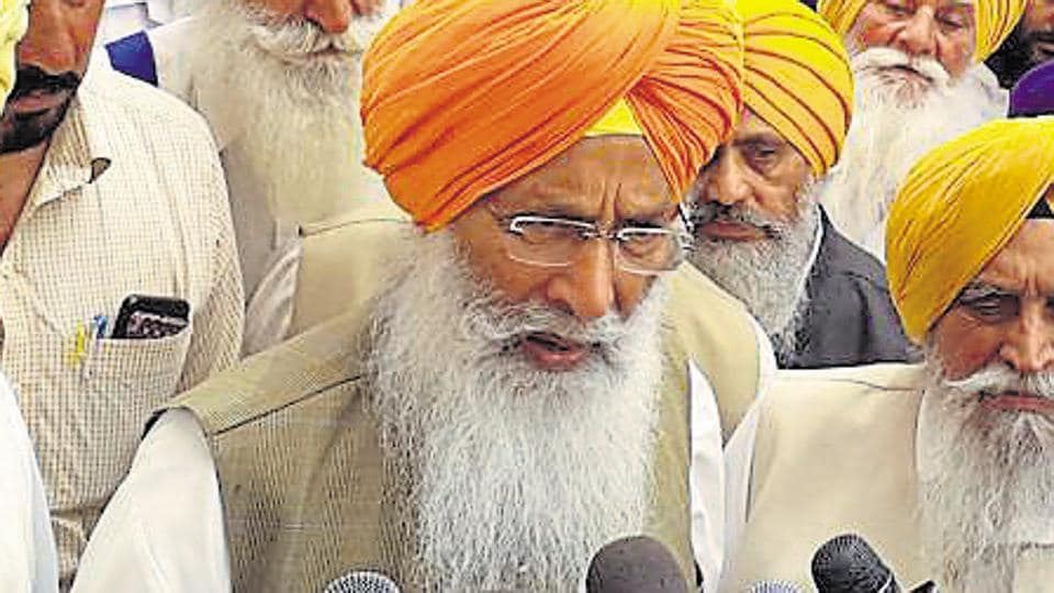 Shiromani Akali Dal leader Sukhdev Singh Dhindsa talking to media persons in Patiala on Monday, April 1, 2019.