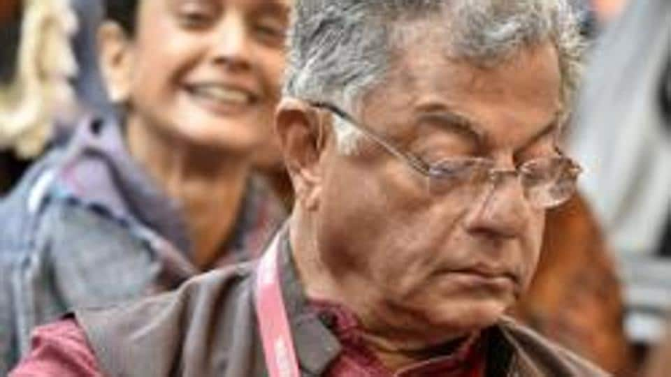 Actor, film director, writer and playwright Girish Karnad  is among the 210 artistes who have appealed about voting in Lok Sabha elections.