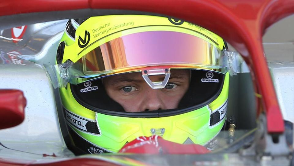 Mick Schumacher prepares for the test drive.
