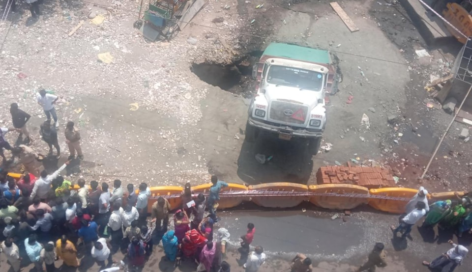 It was declared a level two incident, which is not a major operation, at 10:38am by the Mumbai Fire Brigade. Personnel of the fire brigade and police and ward officials were involved in the operation.