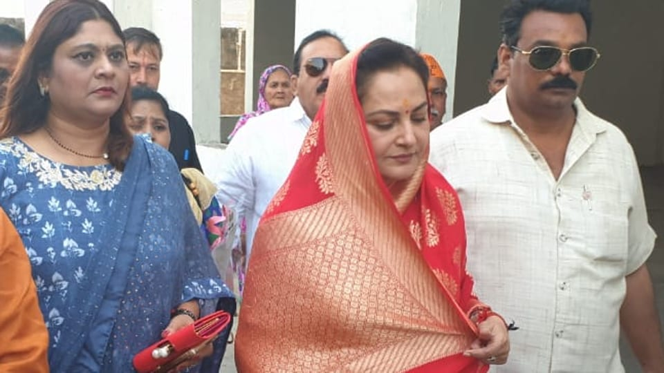 Dressed in a red and gold saree, Jaya Prada visited a temple, a mosque and a mausoleum before filing her papers. She is contesting the upcoming Lok Sabha elections from Rampur on a BJP ticket where she will go up against Samajwadi Party's Azam Khan.