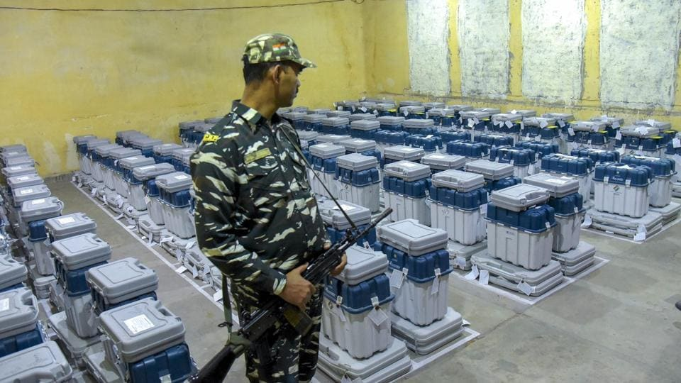 A para-military jawan guards EVMs in Jaipur after 2018 Rajasthan state Assembly polls.