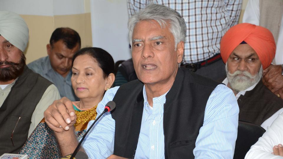 Amarinder's wife Preneet Kaur has been retained from Patiala and Chabbewal MLA Raj Kumar Chabbewal will be party nominee from the reserved seat of Hoshiarpur.