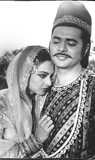 Rekha and Farooq Sheikh in Umrao Jaan
