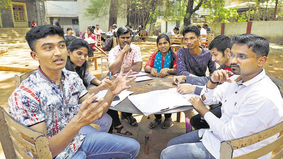 SP college students let fly their views on the upcoming Lok Sabha elections in a discussion held on the college campus on Monday.