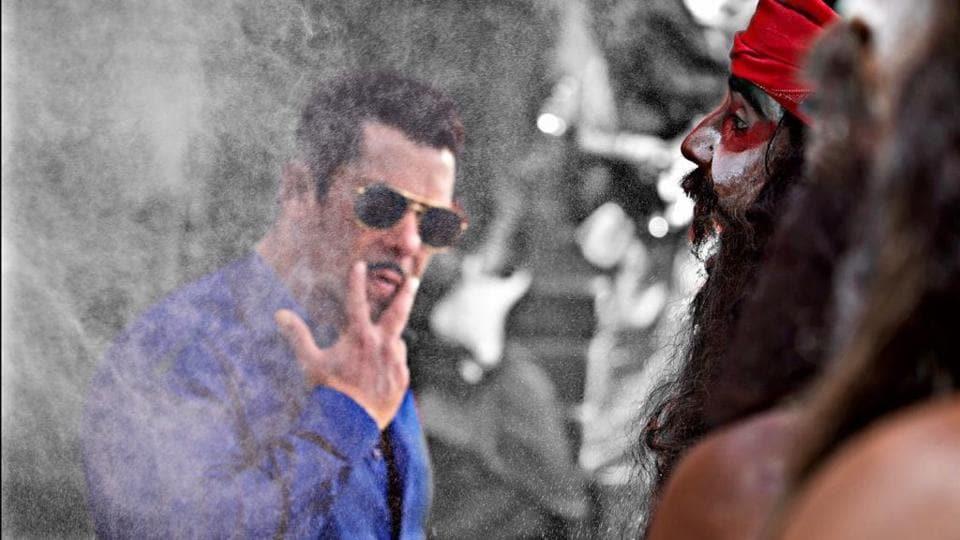 Salman Khan as Inspector Chulbul Pandey in Dabangg 3.